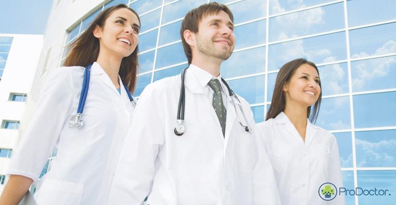 Quais os conselhos que você daria para o médico iniciante?