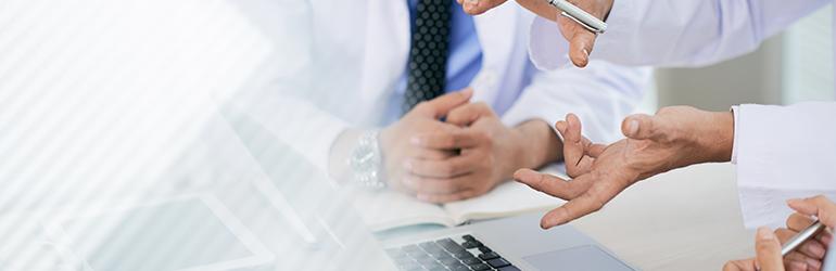 Reduza os custos com um software médico de gestão