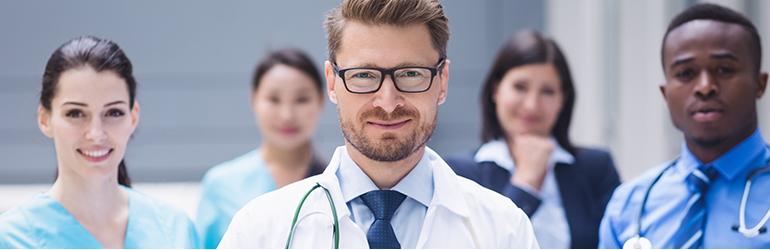 Como iniciar a carreira médica