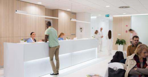 Será que a melhor escolha é abrir um consultório médico, trabalhar em uma clínica médica, optar por concurso público ou integrar a equipe de um centro médico?